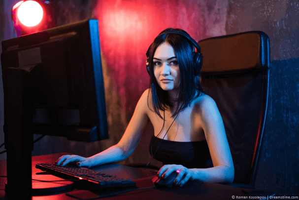 Sexy girl playing PUBG