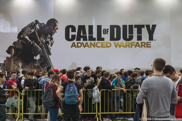 Call of Duty gamers in a queue